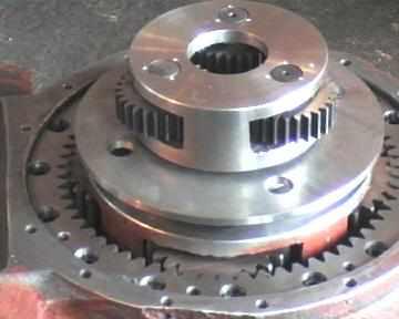 罐)上的搅拌筒转动的专用驱动减速器,其结构在参照西欧发达国家先进